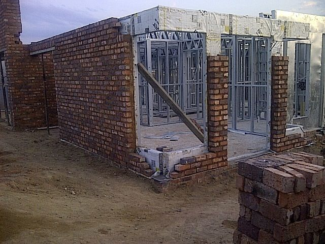 Steel Frame House - Outer Brick skin with Steel Frame inside ...