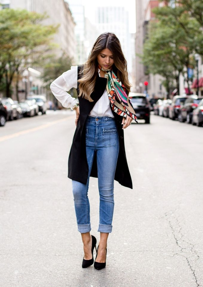 4c931180ac551 The Ultimate Styling Tips   How to Wear High Waisted Jeans