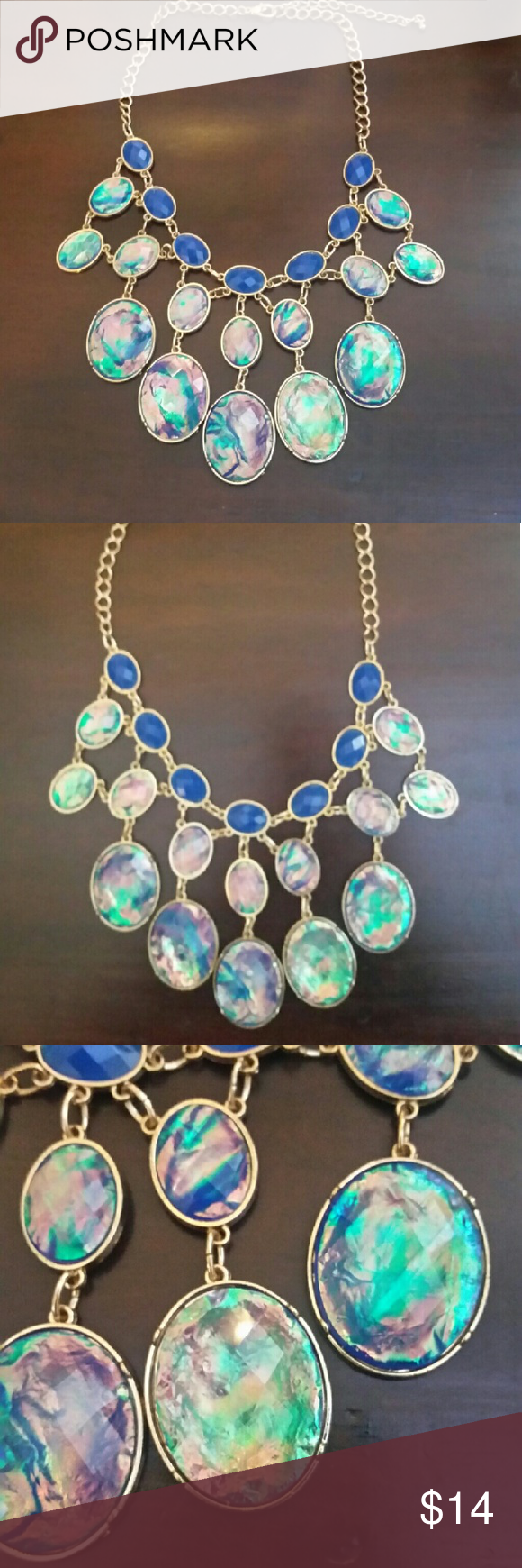 Statement necklace Super cute opalescent purple & gold statement necklace! Adjustable chain Jewelry Necklaces