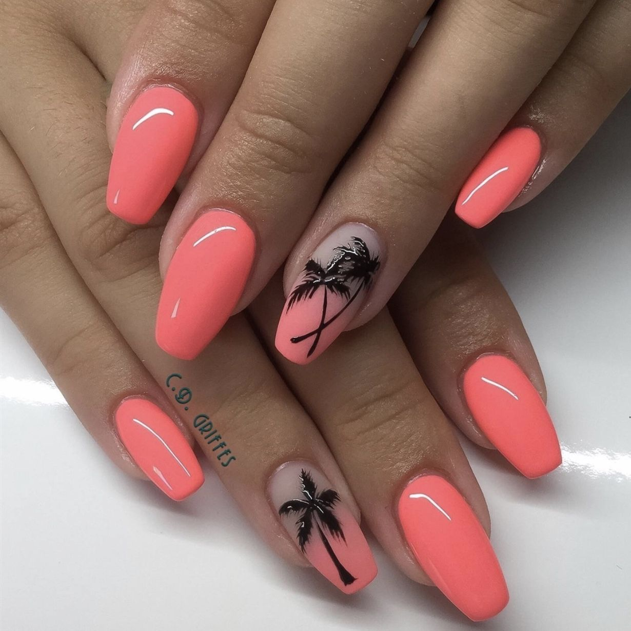 39 Gorgeous Summer Nails You Need to Try - Chaylor & Mads