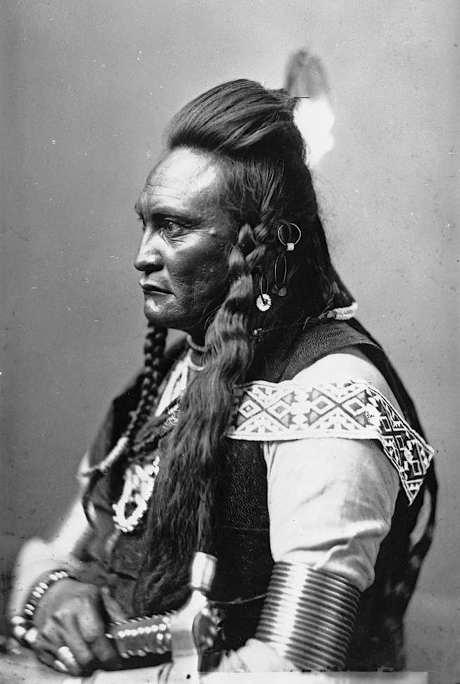 Running Deer. Crow. 1883. Photo by Frank Jay Haynes.
