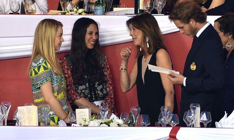 La buena sintonía entre Carolina de Mónaco y Tatiana Santo Domingo, riendo a carcajadas en la hípica junto a Andrea Casiraghi y la Princesa Alexandra de Hanover