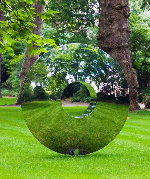Amazing Outdoor Sculpture by David Harber Gardens, A well and