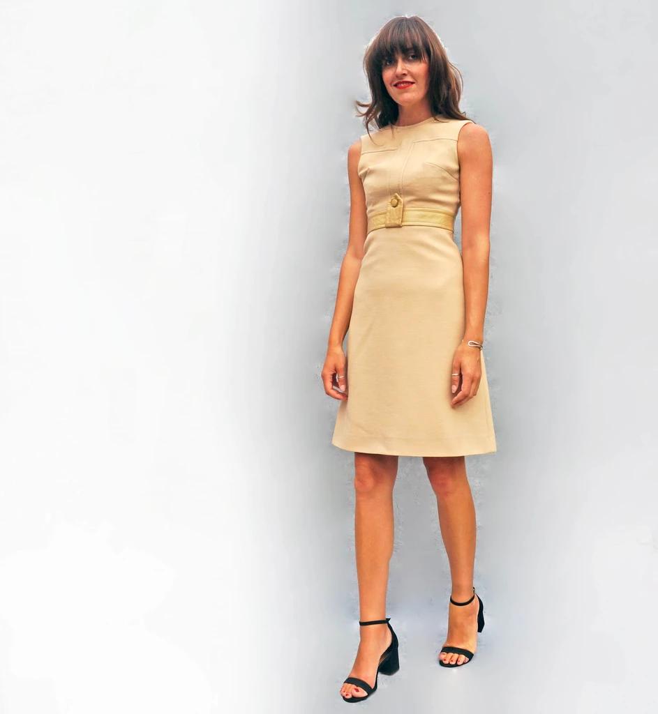 1960 S Beige Shift Dress Suit This Stunning Beige Shift Dress And Jacket Suit Is So Stunning Both Pieces In This Matchi Shift Dress Dresses Loose Shirt Dress [ 1024 x 943 Pixel ]