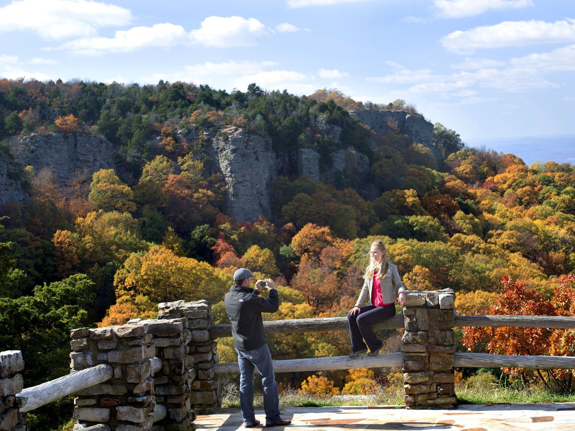 The 2 234 acre mount magazine state park offers some of for Cabins near mount magazine