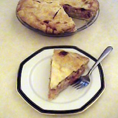 Strawberry Rhubarb Cream Pie