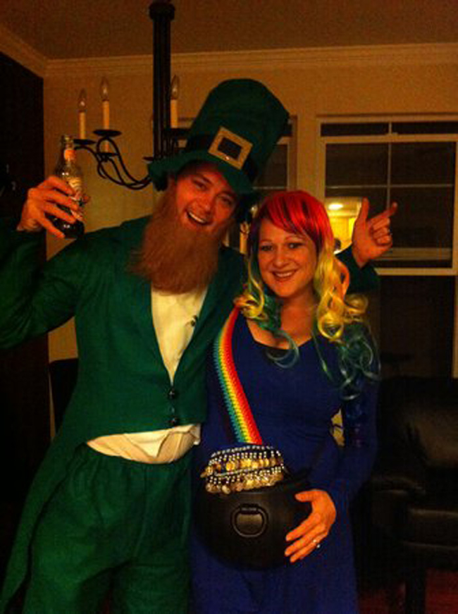 the best halloween costumes for pregnant ladies - Pregnant Halloween Couples Costumes