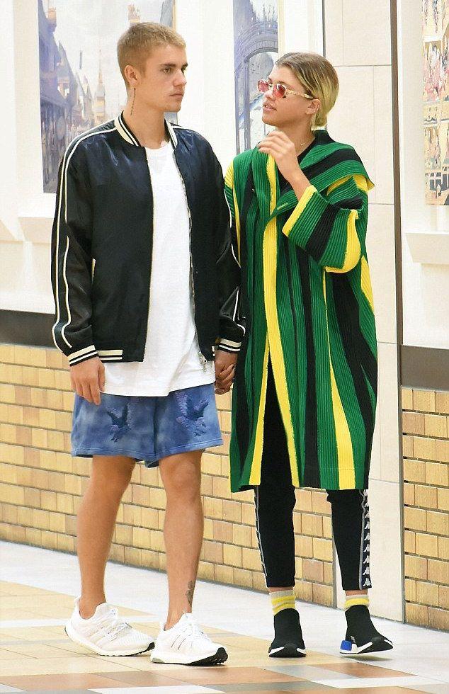 3bfb70f855da2 Justin-Bieber-jacket-Off-White-shorts-Adidas-sneakers-2