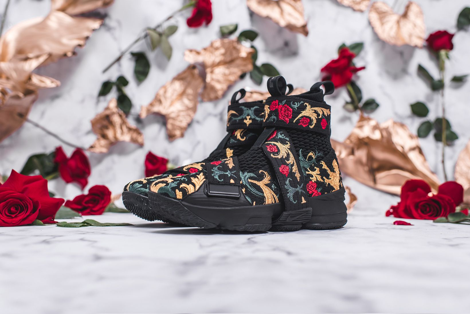acff80226af463 KITH Long Live the King Collection Chapter 2 LeBron James Ronnie Fieg Nike  Basketball 15 xv