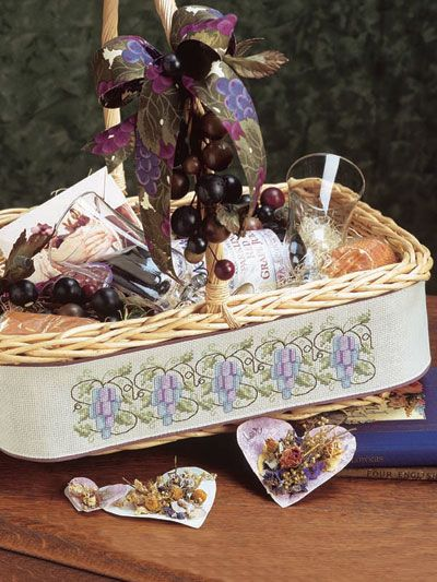 Sweet Grapes - Free Cross stitch pattern