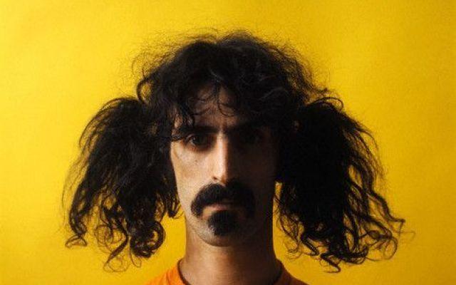 Vent'anni fa moriva Frank #Zappa, leggenda del rock. Il suo genio musicale in cinque brani che lo rappresentano #frank #zappa #anniversario #canzoni