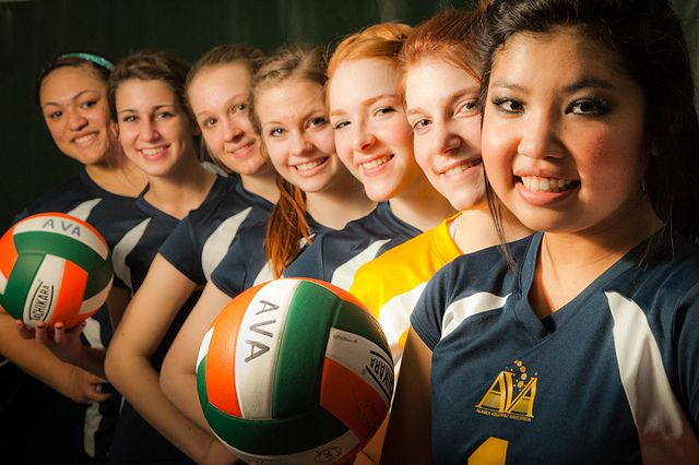Portrait 365 71 Flickr Photo Sharing Would Be A Great Pose For The Senior Girls For A Ba With Images Volleyball Photography Volleyball Team Pictures Sport Photography