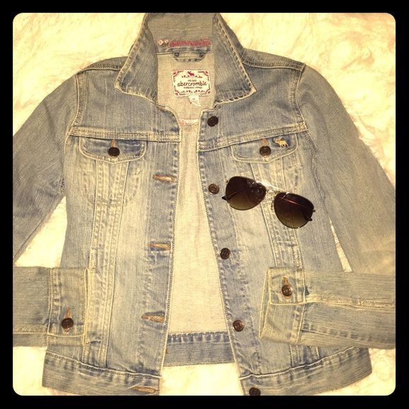 Abercrombie Denim Jacket Good used condition with no rips and tears Size medium but has no stretch so it fits more like a small (2-4) Abercrombie & Fitch Jackets & Coats Jean Jackets