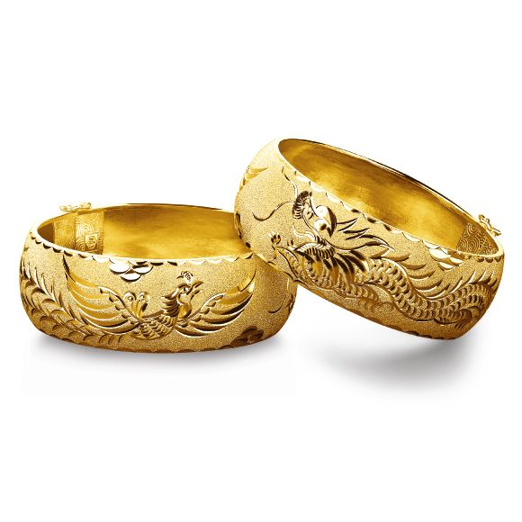 Traditional Chinese Wedding Gold Bangles by Luk Fook Jewellery