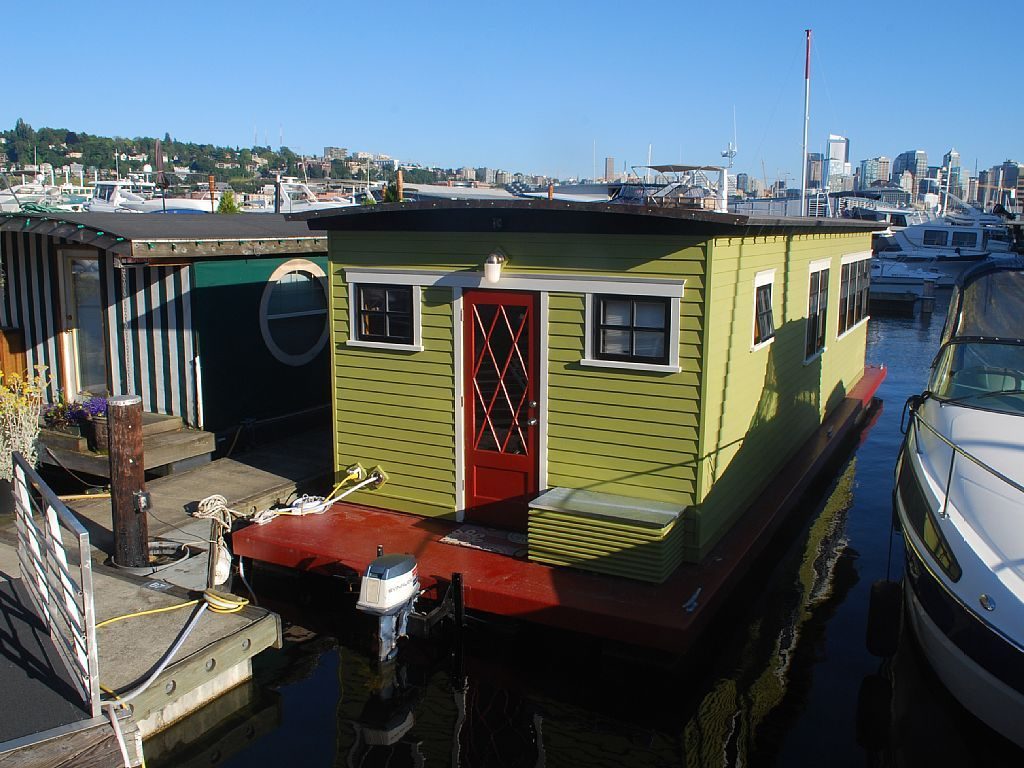 Short Term Houseboat Rentals In Seattle For Testing Out A