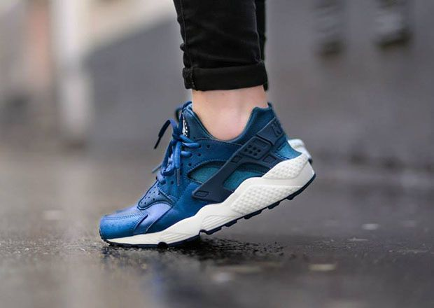7637a32c19982 Nike Womens Air Huarache - Blue Force - Sail - SneakerNews.com ...