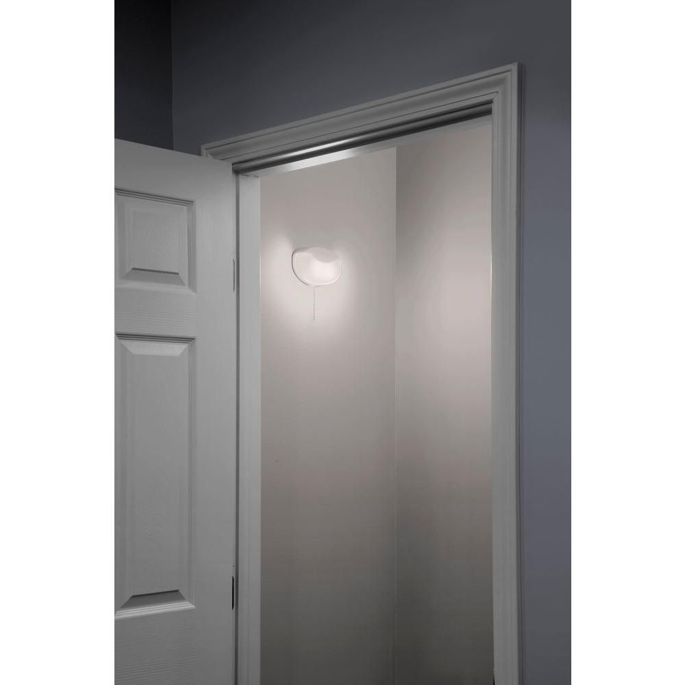 Lithonia Lighting 10 Watt White Integrated Led Flush Mount Closet Light With Pull Chain Fmmcl 840 S1 M4 The Home Depot Led Closet Light Closet Lighting Lithonia Lighting