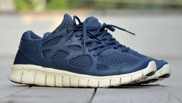 check out efe11 b6af7 Nike Free Run 2  Woven Leather  Navy