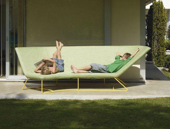 Design Garden Sofa Ultra Sofa By Frederic Sofia Fermob Con Immagini Divano Giardino All Aperto Divano Esterno