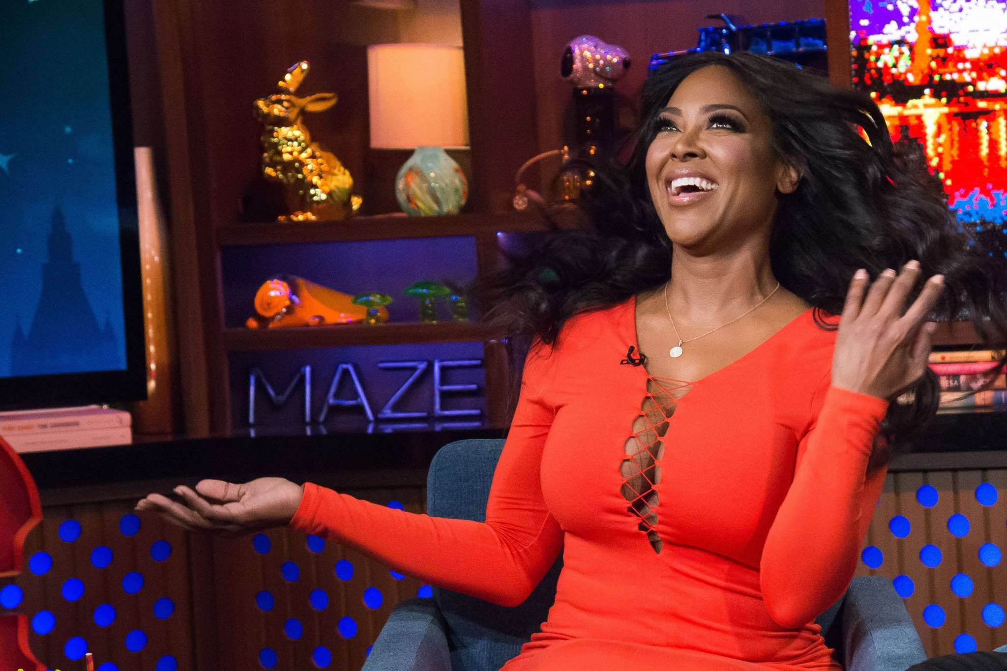 Kenya Moore Slays A Pink Suit And Fans Cannot Have Enough