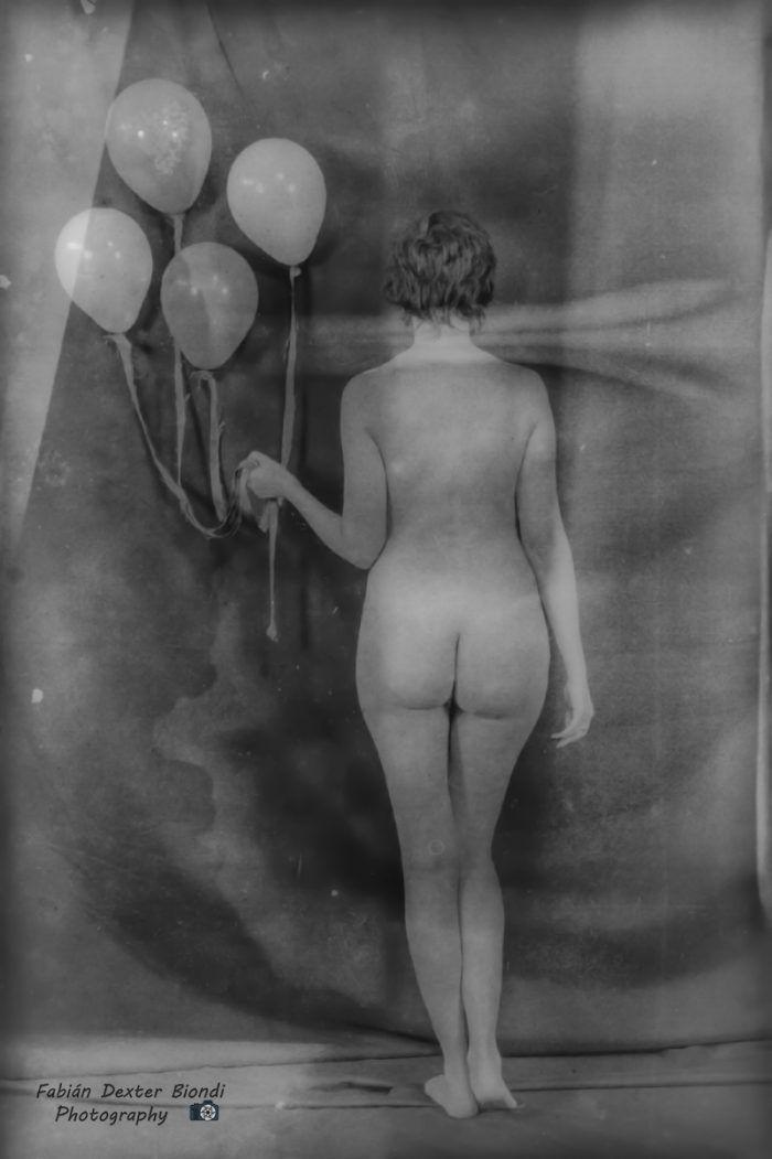 """""""Ella y los globos"""" de Fabián D. Biondi - Argentina - Septiembre/2016"""