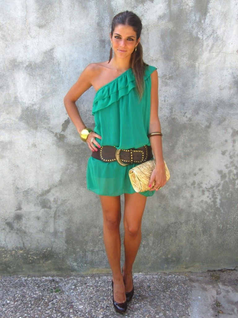 Green dress one shoulder  One Shoulder Kelly Green Mini Dress the belt is in a weird spot