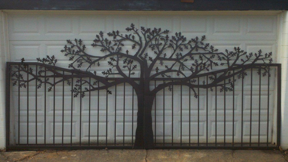 Double Swing 14 Ft Oak Tree Driveway Gate Residential Shipping Is Available For 500 More Other Powder Coat Color Metal Tree Metal Tree Wall Art Gate Design