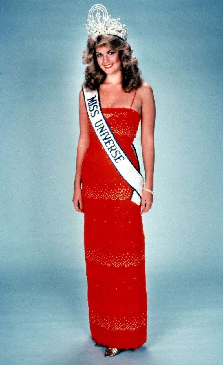 Irene Sáez Irene Sáez Won Miss Universe In 1981 At The Age Of 19 While She Was Representing Venezuela Pageant Girls Beauty Pageant Latina Beauty