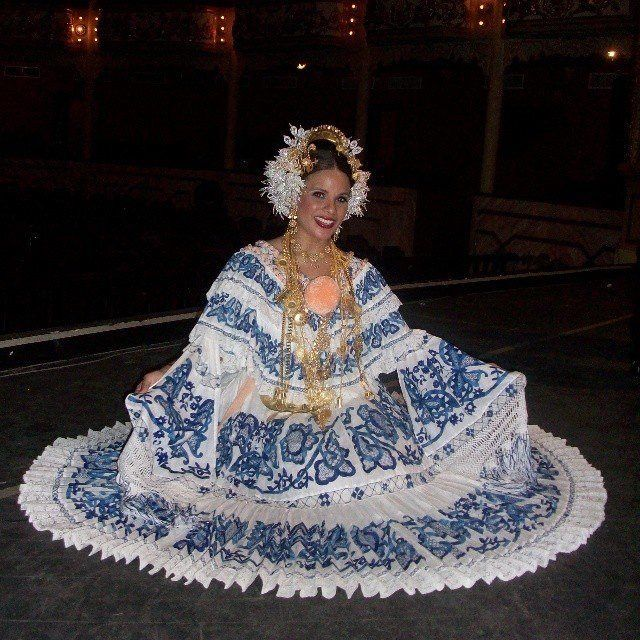 Pollera, Panama | Panama Culture | Blue, white dress ...