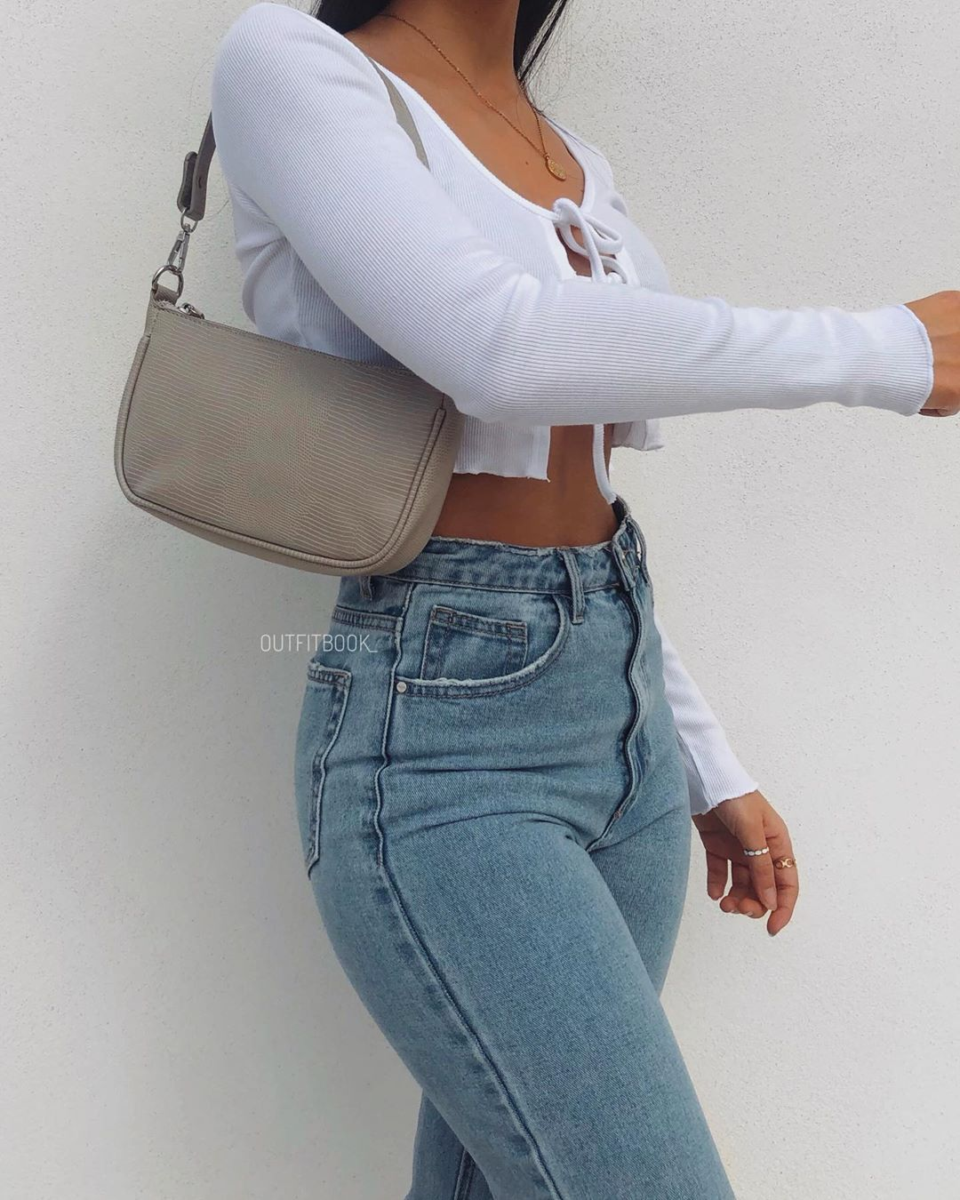 "Photo of www.outfitbook.fr on Instagram: ""How cute is this outfit 💓 new in: Shoulder bag in beige + this Crop top with double tie detail 🤍 🔎Top: 2012 🔎Bag: BC301B Outfitbook.fr"""