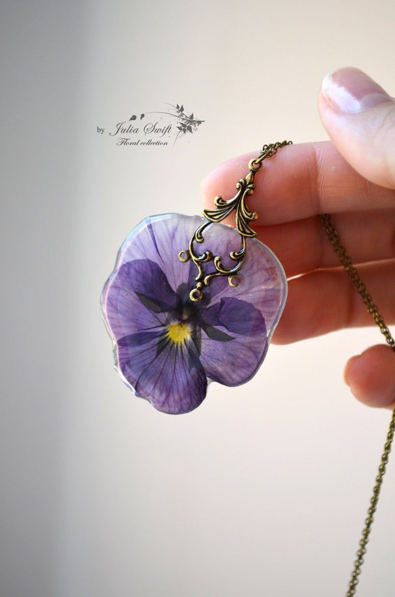 Handmade Pendant With A Real Pansy Flower In The Resin Etsy Wood Resin Jewelry Resin Jewelry Pansies Flowers