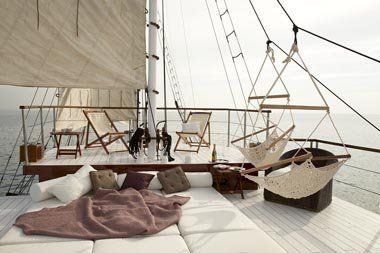 Barracuda Yacht Charter