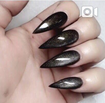 Black goth nails More