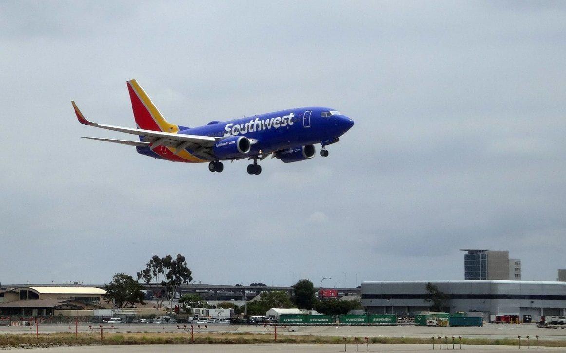 Boeing 737 Max 8 Makes Emergency Landing In Orlando Hawaii