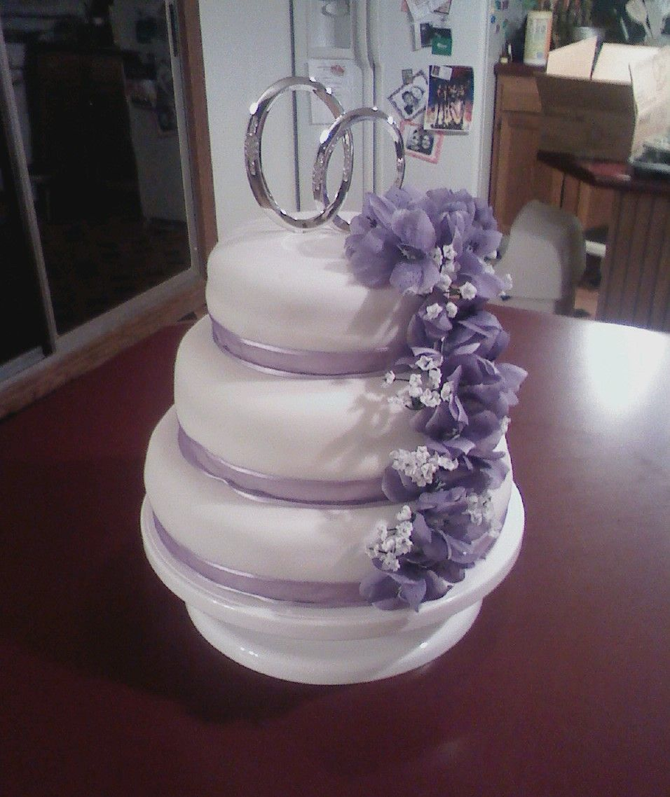 Fondant Flowers For Wedding Cakes: Fondant Wedding Cake With Lilac Flowers And Infinity Ring