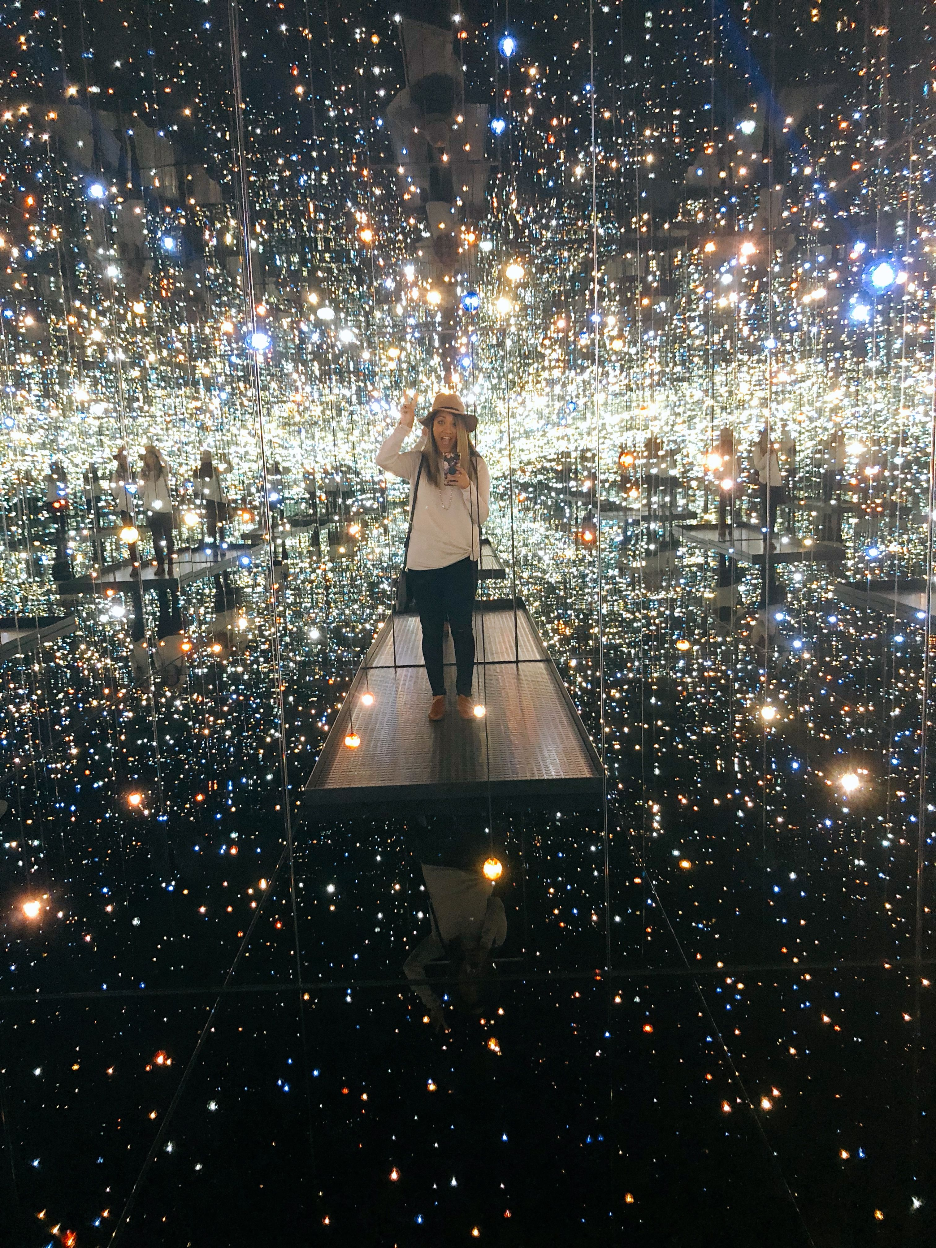 Infinity Mirror Rooms In 2020 The Broad Museum Broad Museum Los Angeles Interactive Events