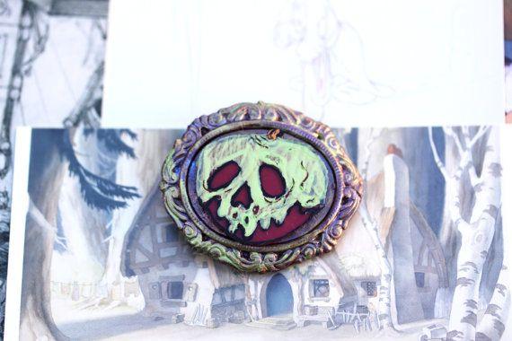 Snow White Evil Queen Disney Brooch - Handmade Poison Apple Cameo Frame Brooch - Disney Villain Brooch