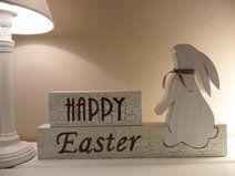 erhältlich hier: http://de.dawanda.com/product/57540359-happy-easter-39cm-x-23cm-hase---osterhase Ostern, Happy Easter, Osterhase, Hase, Handarbeit aus Holz, Silvi K.