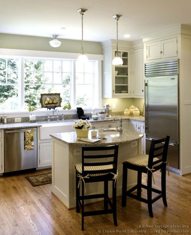 Modular Kenya Project Simple L Shaped Small Kitchen: Cottage Kitchen Design© Crown Point Cabinetry (crown-point