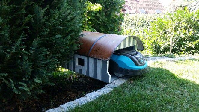 haus f r rasenroboter zweiart upcycling rasenroboter. Black Bedroom Furniture Sets. Home Design Ideas