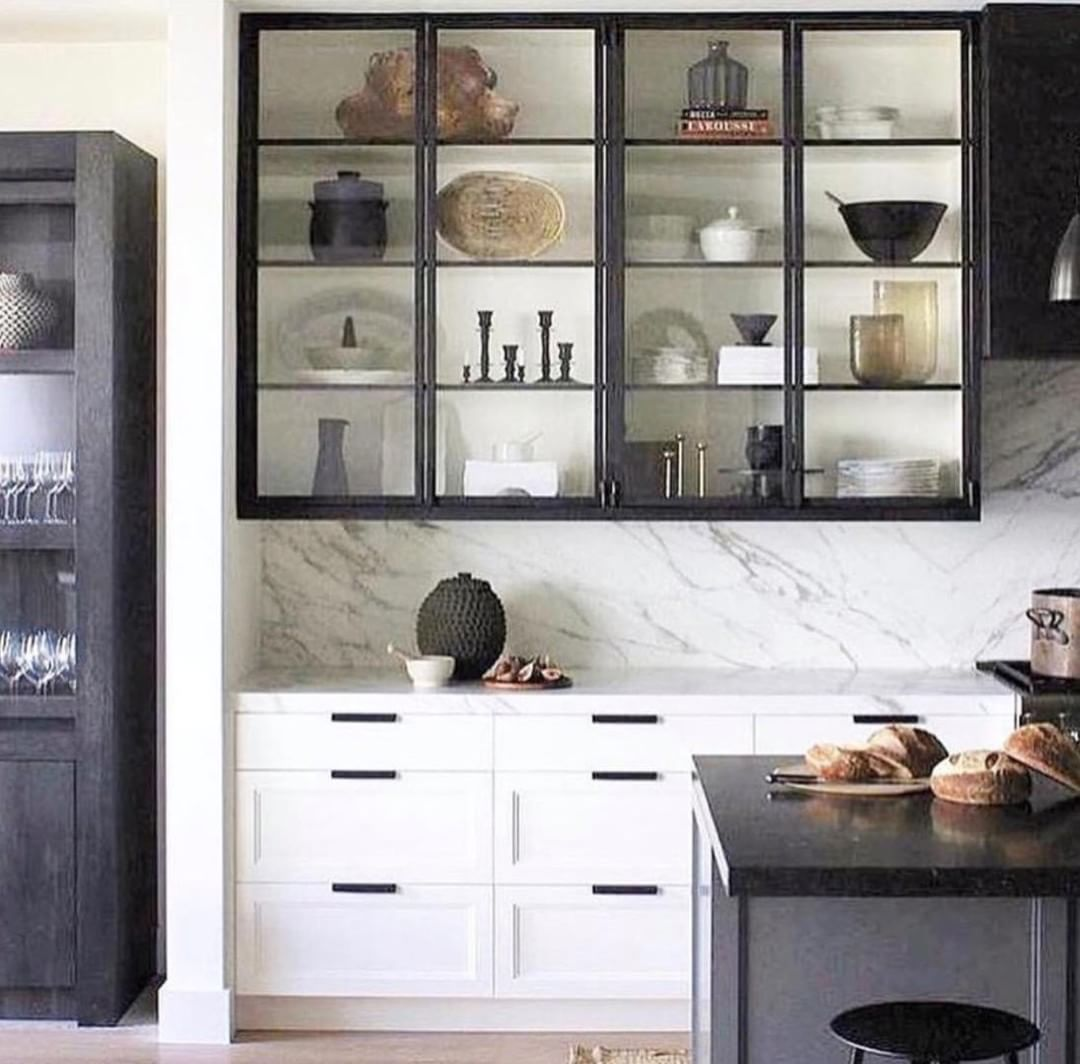 There Is Definitely A Modern Industrial Appeal To Steel Framed Glass Cabinetry In The Kitchen Kitchen Interior Glass Kitchen Cabinets Interior Design Kitchen