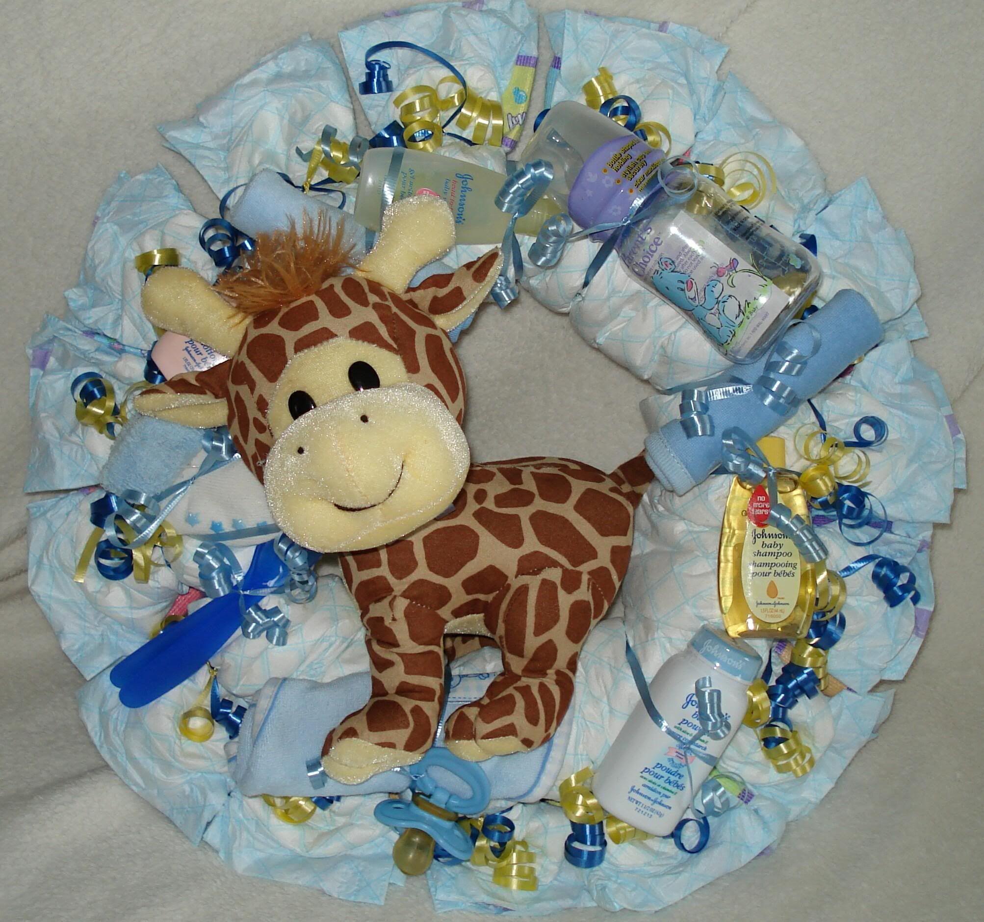 Diaper wreath baby showers pinterest diaper wreath for Diaper crafts for baby shower