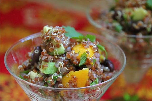 Mango Avocado Black Bean Quinoa Salad Recipe - Jeanette's Healthy Living #quinoa #glutenfree