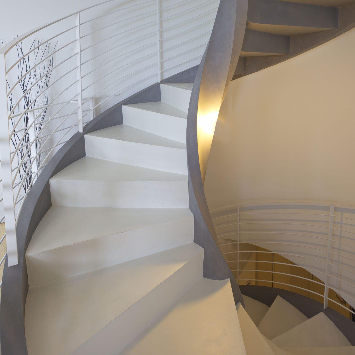 escalier en colima on structure en b ton marche en bois avec contremarche eli ca 06 rizzi. Black Bedroom Furniture Sets. Home Design Ideas