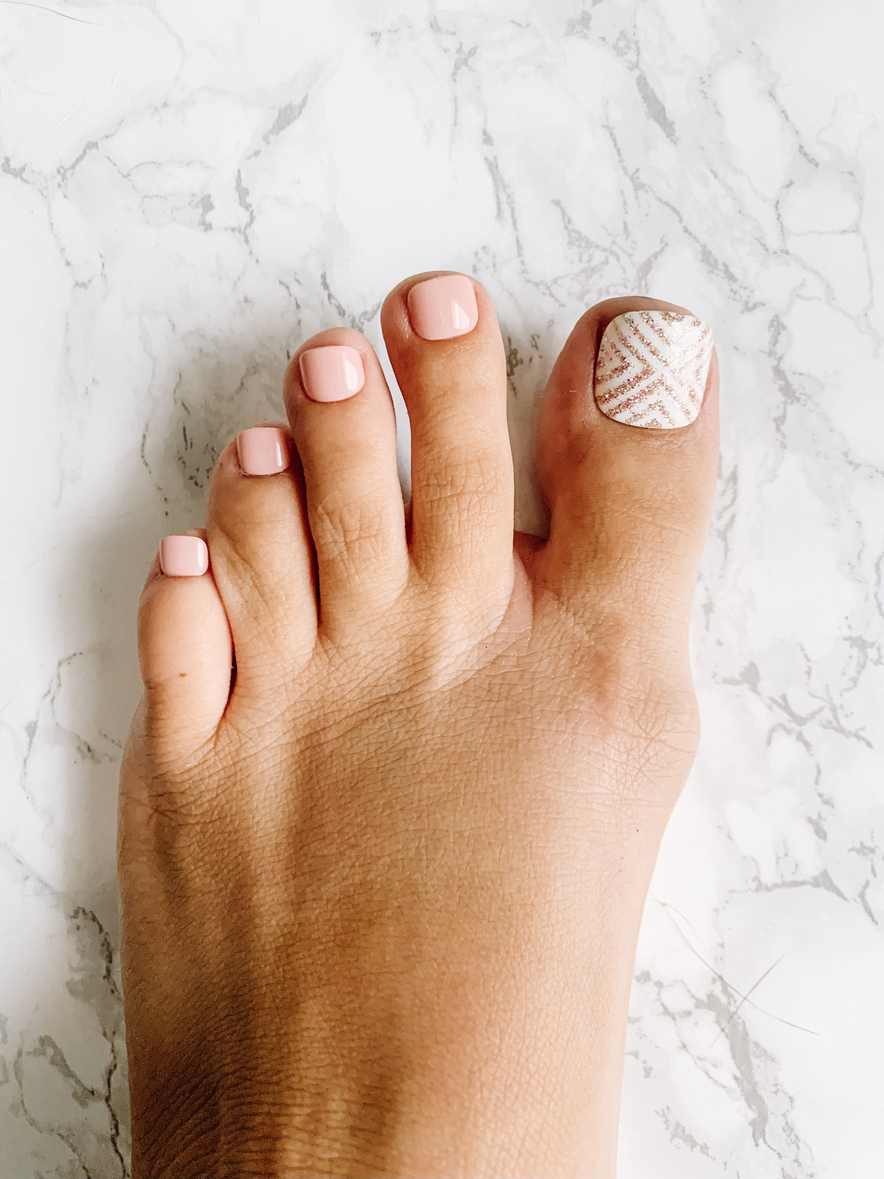 Can you believe these are presson toenails? Omg!!! (With