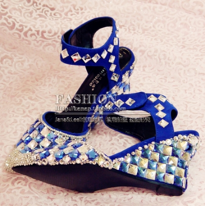 79.99$  Buy here - http://ali7wv.worldwells.pw/go.php?t=1856133626 - Free shipping 2016 spring and summer fashion handmade crystal diamond slope with heavy-bottomed sandals tip