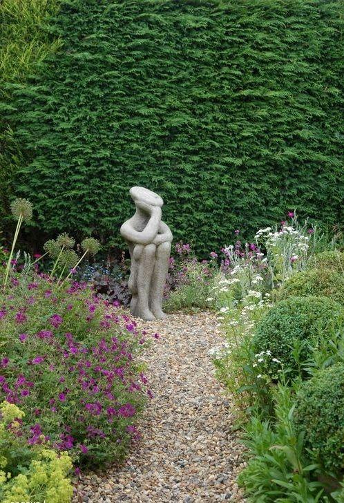 Gartengestaltung mit Kies statue garten Garten Pinterest