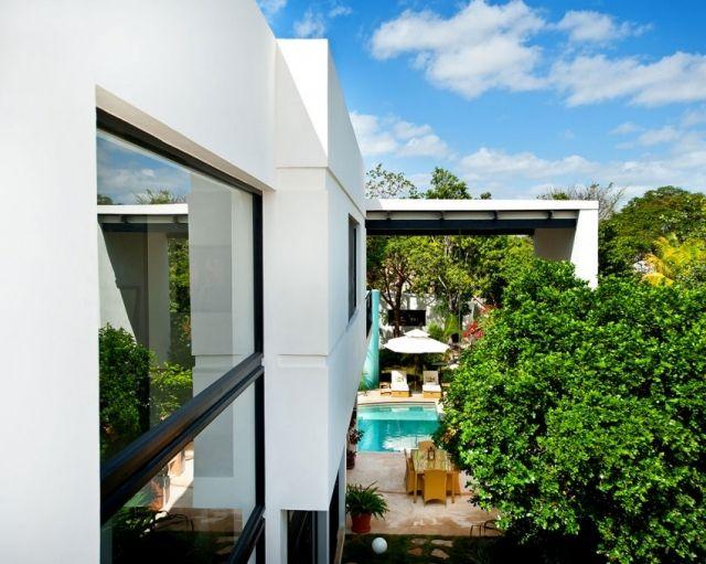 Casa cp78-exotische Villa mit moderner Flachdach-Konstruktion und Verglasungen