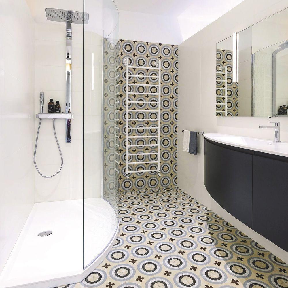 Salle de bains : des revêtements et matériaux pour un relooking tendance