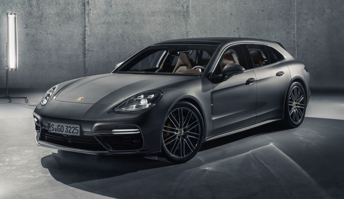 The 2018 Porsche Panamera Sport Turismo Is Iest Wagon Imaginable 550 Horses And A Spoiler We Ll Take That